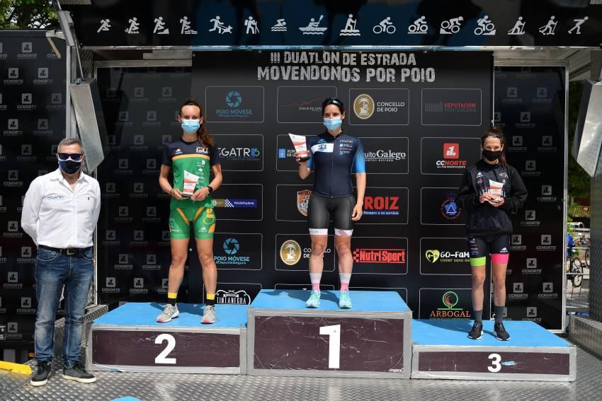 podio feminino Duatlon Movendonos por Poio