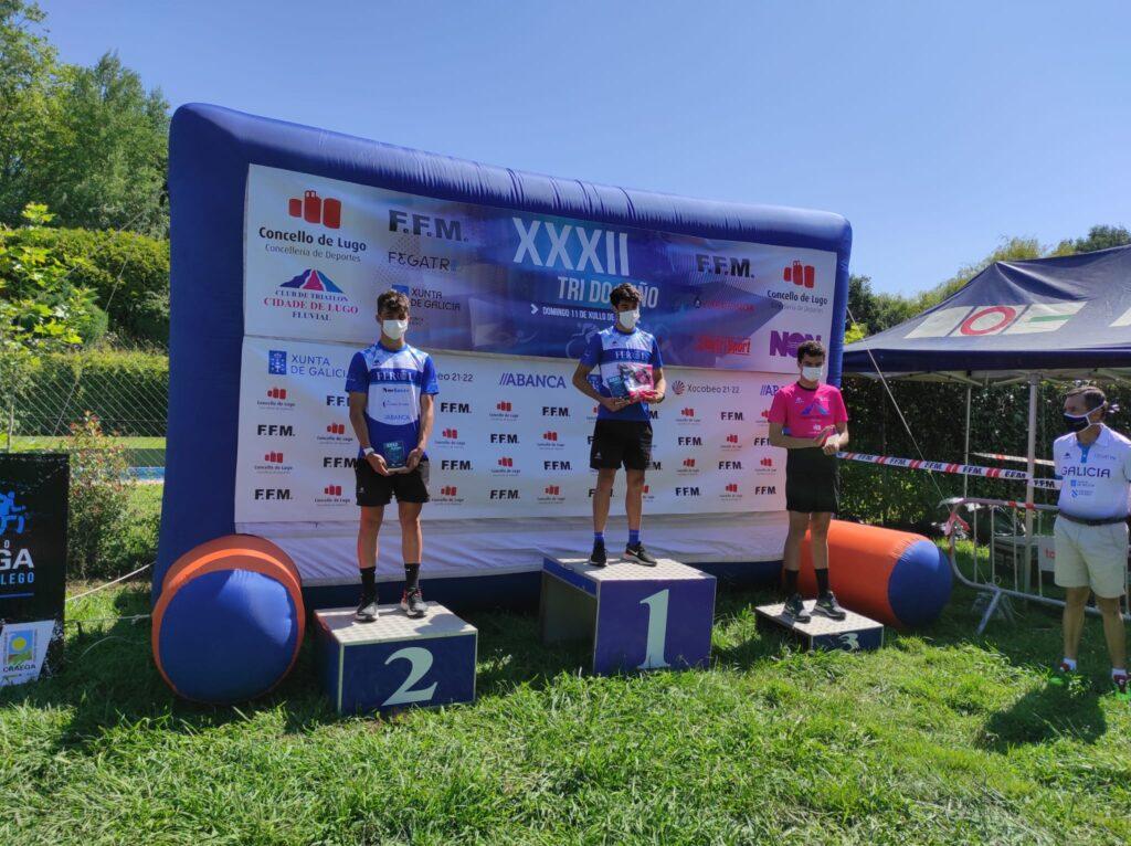 podio masculino_triatlon do miño